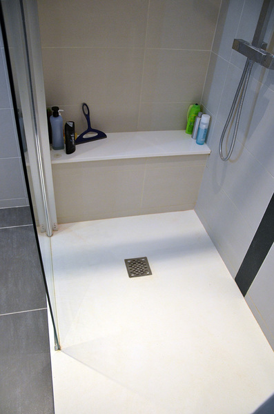 conception et pose salle de bain 59494 design de maison design de maison. Black Bedroom Furniture Sets. Home Design Ideas
